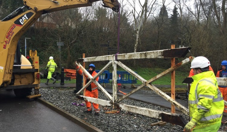 Listed Building Consent to reinstate Jackfield gates is granted